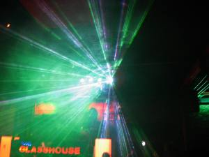 Party Foto mit Lasershow aus dem Glasshouse in Bülach