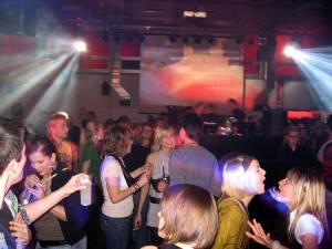 Fotos von der Pure 90's Party in der Toni Molkerei mit vielen Girls