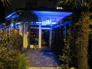 Castro Bar in Dübendorf bei Nacht